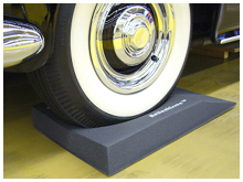 Picture of a Bentley S2 wheel on Reifenkissen cushions